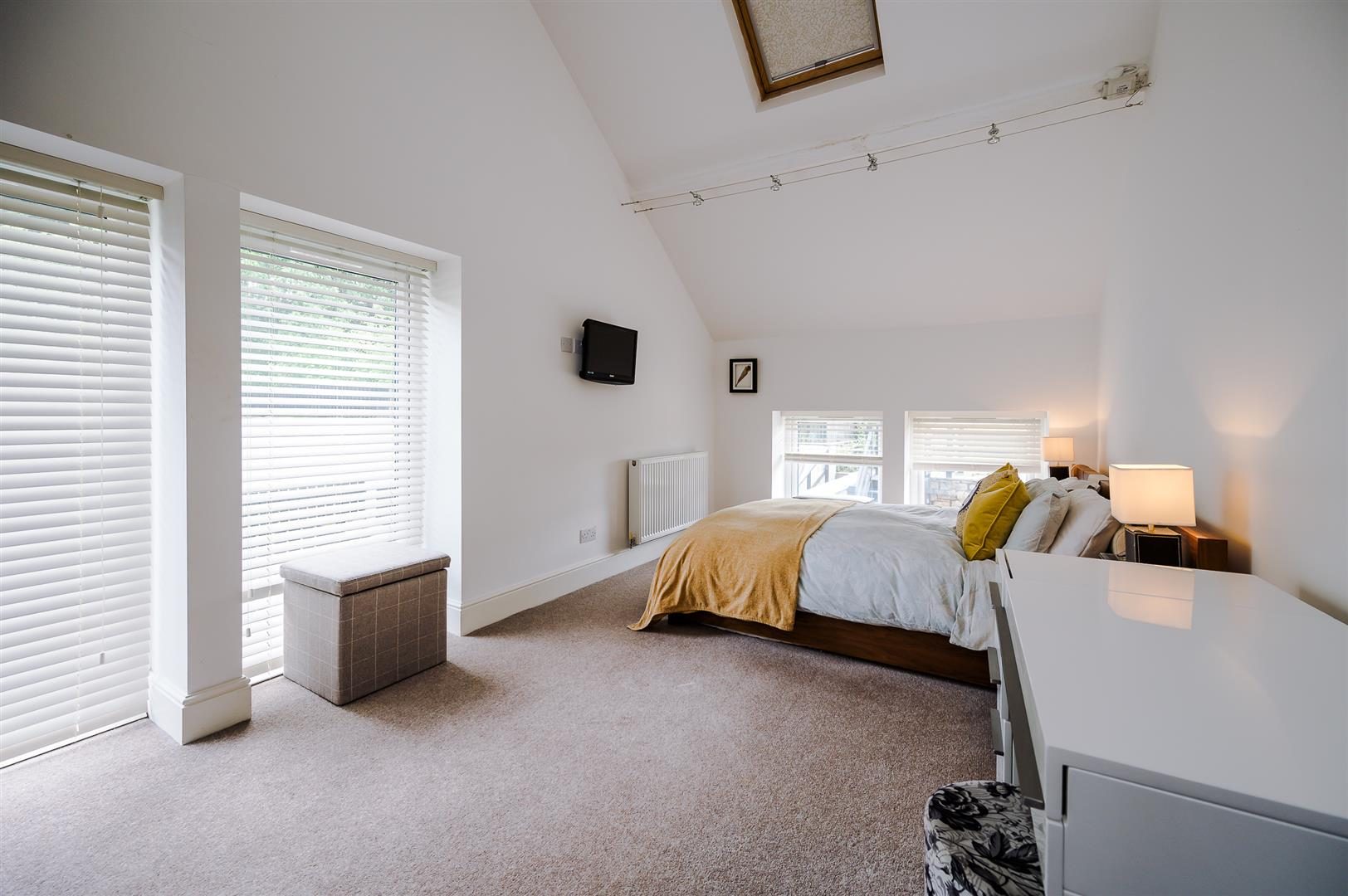 3 bedroom house For Sale in Bolton - DSC_5833.jpg.